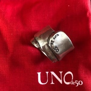 Authentic Uno de 50 Ring